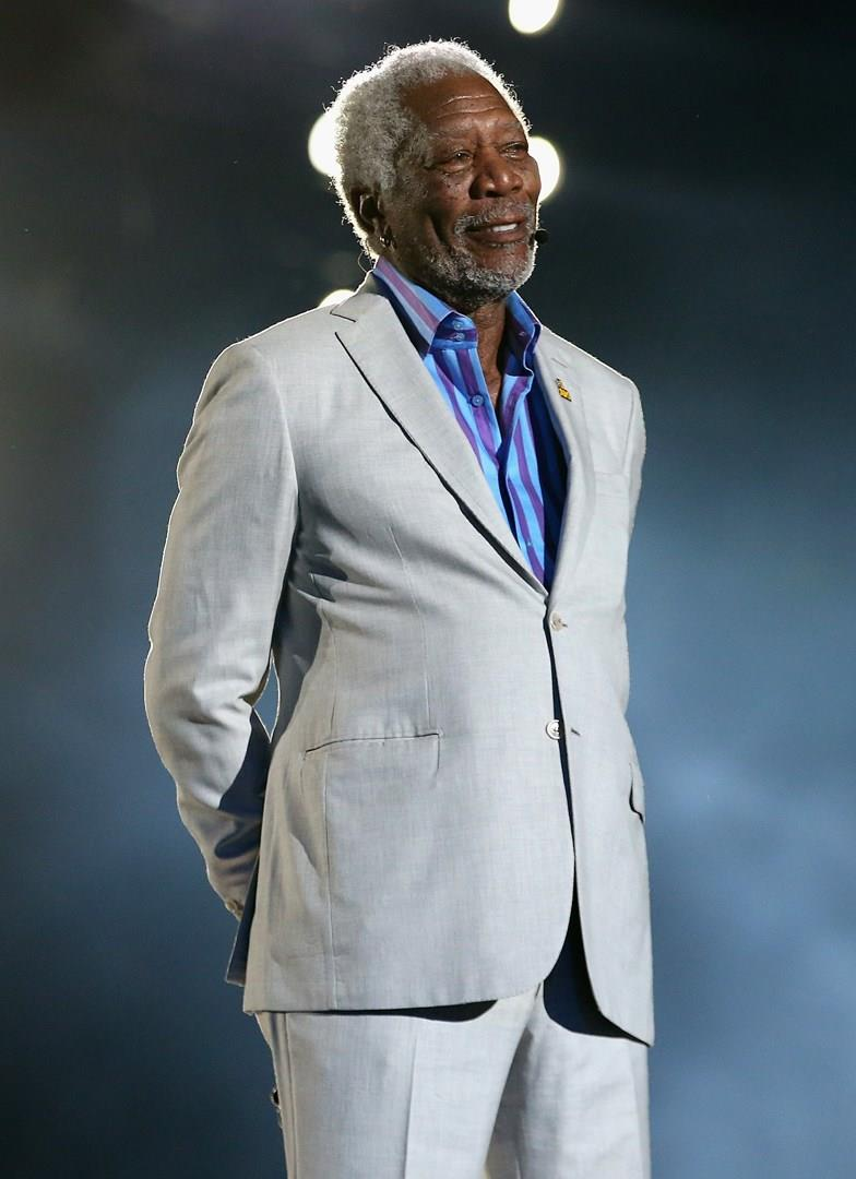 Morgan Freeman a figura intera
