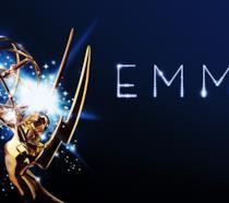 La statuetta e il logo degli Emmy