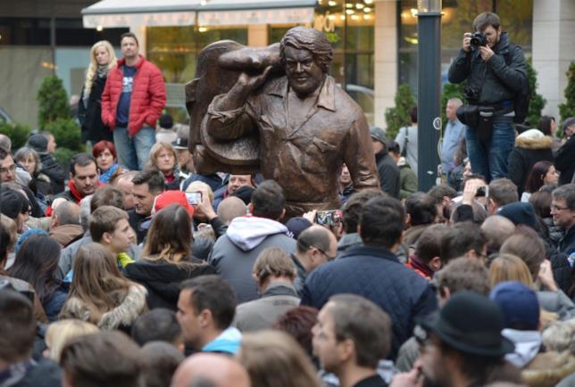 L'inaugurazione a Budapest della statua in onore di Bud Spencer
