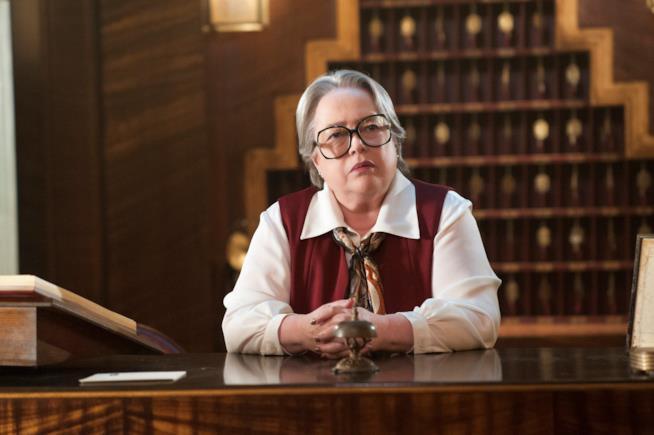 American Horror Story: Hotel, Kathy Bates è Iris