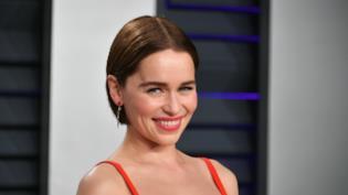 Emilia Clarke su GoT 8, il suo aneurisma e le incessanti lamentele di Kit Harington