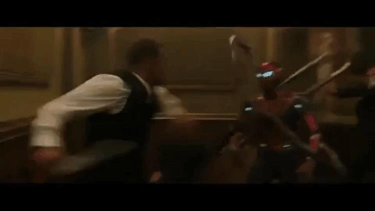 Iron Spider in azione in Spider-Man: Far From Home