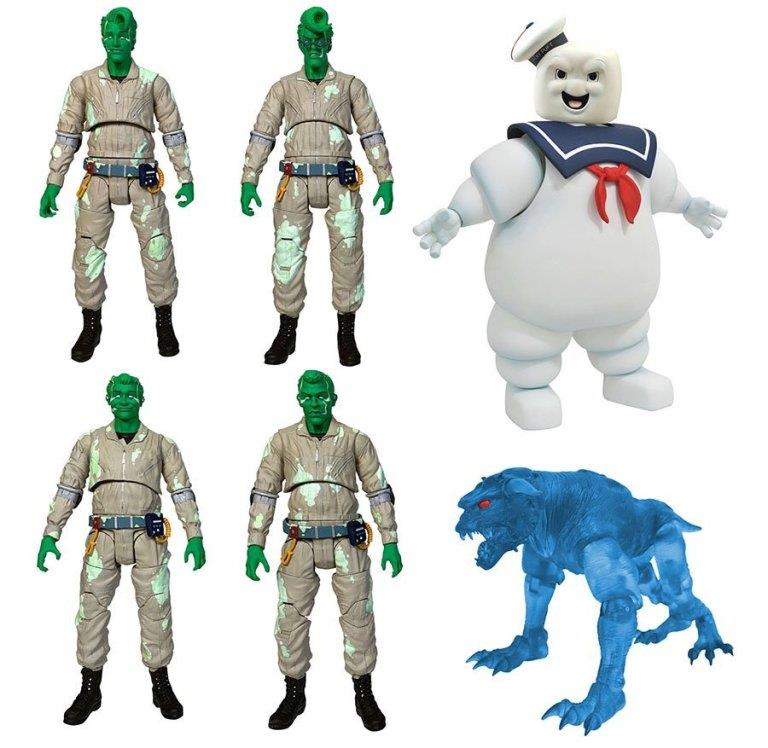 I quattro Acchiappafantasmi in versione action figure insieme allo Stay Puft e al Cane Infernale
