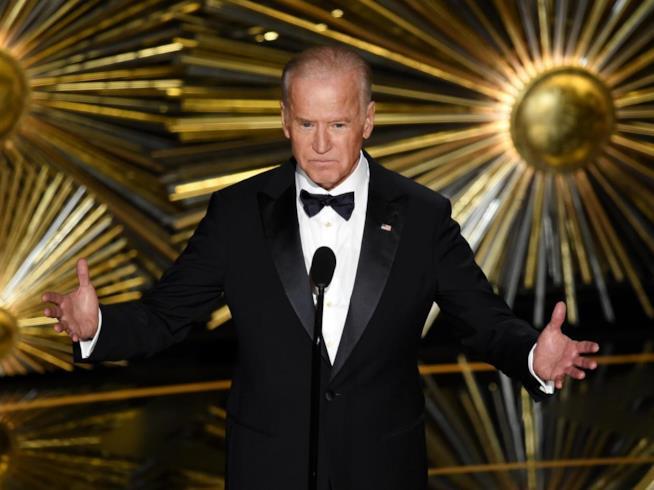 Oscar 2016: Joe Biden durante la presentazione di Lady Gaga