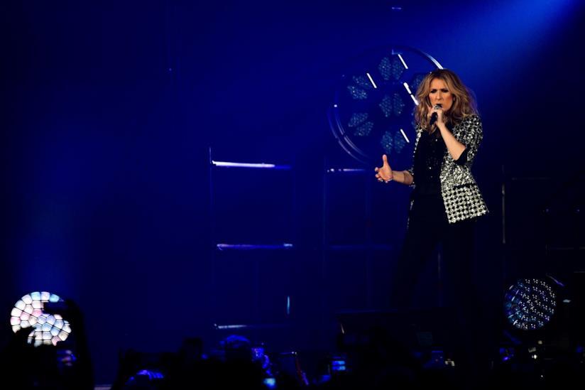 Céline Dion durante un'esibizione