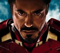 Robert Downey Jr. è Iron Man nel poster del film