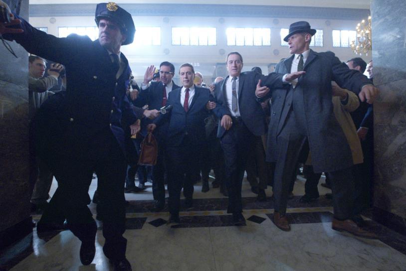 Al Pacino nei panni di Jimmy Hoffa in una scena del film The Irishman di Martin Scorsese
