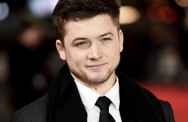 Taron Egerton, un primo piano sul red carpet