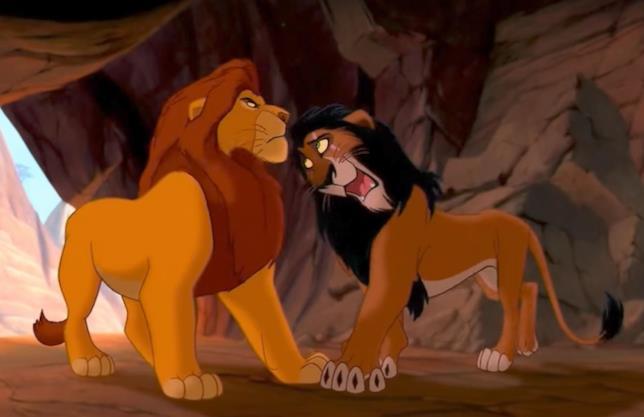 Mufasa e Scar in una scena del Re Leone