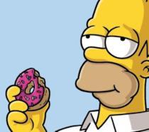 Homer Simpson mangia la ciambella