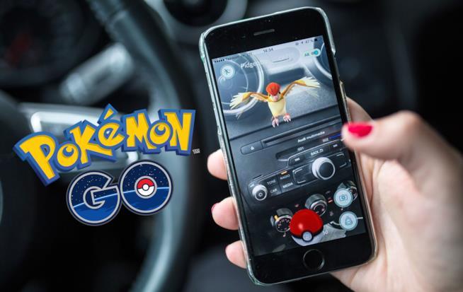 Pokémon GO usato in auto: cosa sconsigliata