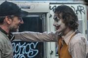 Una foto di Todd Phillips e Joaquin Phoenix sul set del film Joker