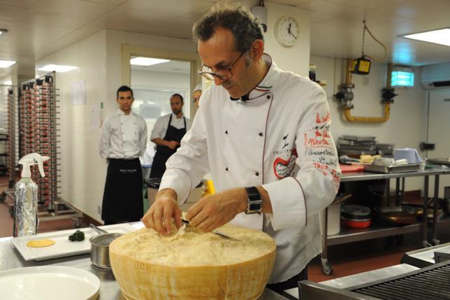 Massimo Bottura al lavoro a Casa Italia a Londra 2012