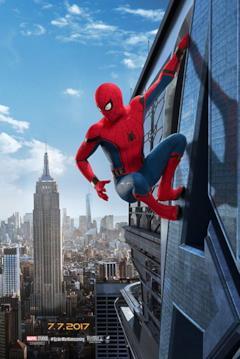 Spider-Man arrampicato su un grattacielo