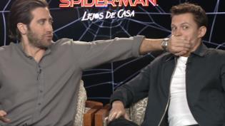 Jake Gyllenhaal e Tom Holland sul set dell'intervista con Cinépolis