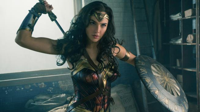 Wonder Woman in una scena del film