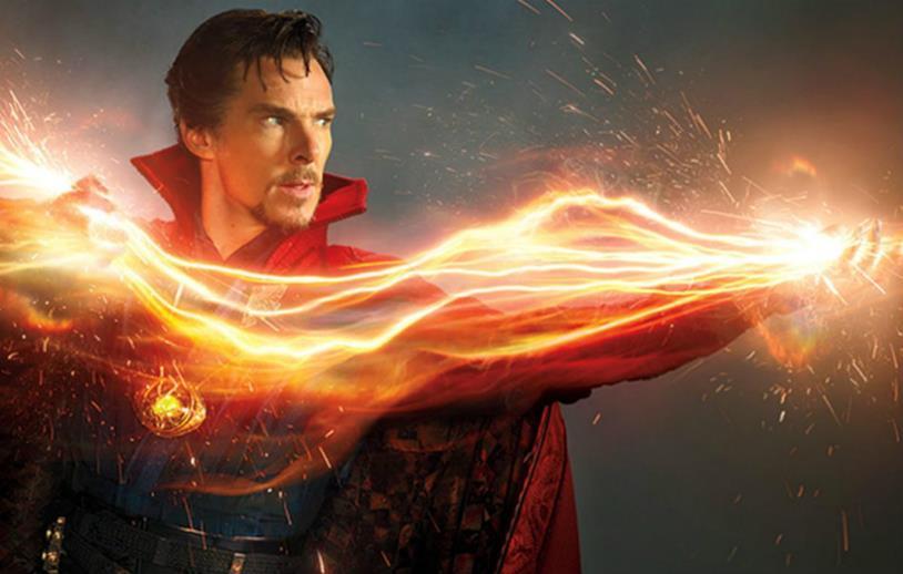 Bendict Cumberbatch è Doctor Strange nel MCU
