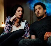 Claudio Santamaria e Ilenia Pastorelli in una scena di Lo chiamavano Jeeg Robot