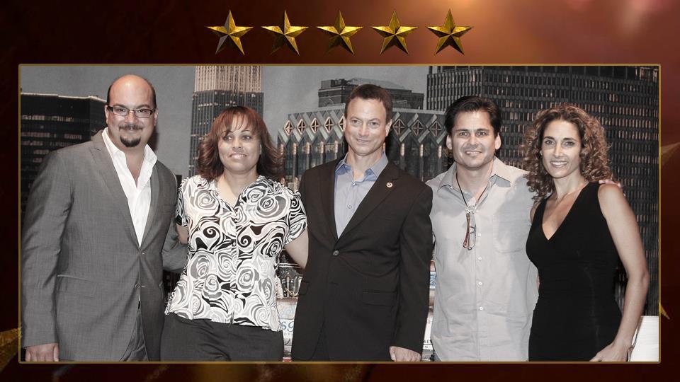 Mac Taylor comprare in tutte e tre le serie di CSI:  CSI: Crime Scene Investigation (2000), CSI: Miami (2002) e CSI: NY (2004).