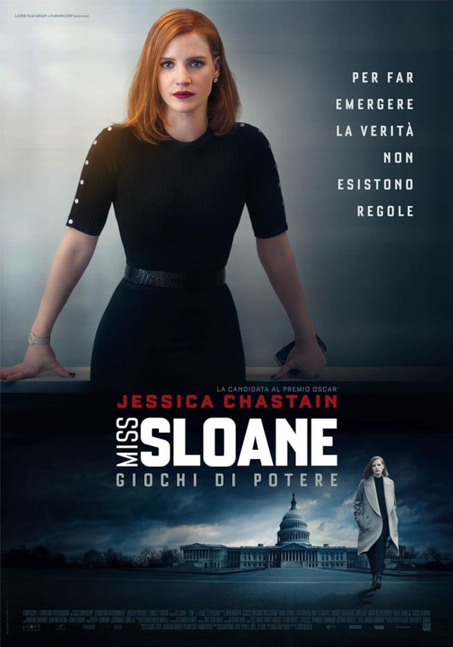 Jessica Chastain nella locandina italiana del film di John Madden Miss Sloane - Giochi di potere