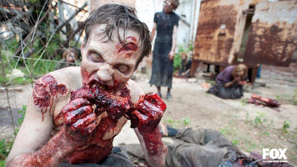 """La """"carne umana"""" che gli erranti mangiano è in realtà prosciutto imbevuto nell'aceto."""