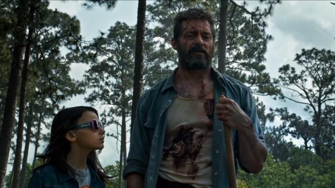 Hugh Jackman e Dafne Keen in una scena del film Logan - The Wolverine