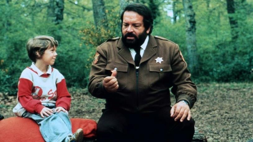 Bud Spencer e Cary Guffey in una scena del film