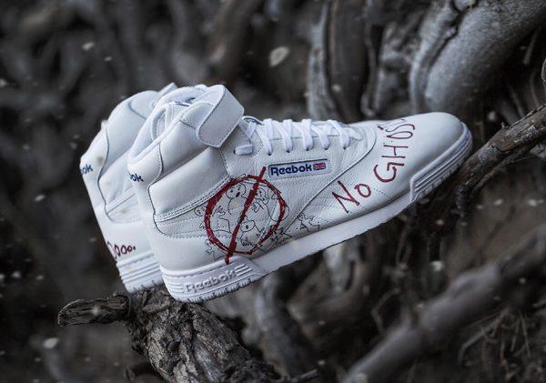 Sneakers con il simbolo di Ghostbusters