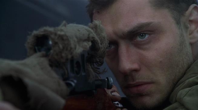 Jude Law in una scena del film