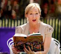 J.K. Rowling legge Harry Potter e la Pietra Filosofale