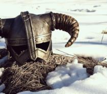 Un elmo tra la neve in Skyrim