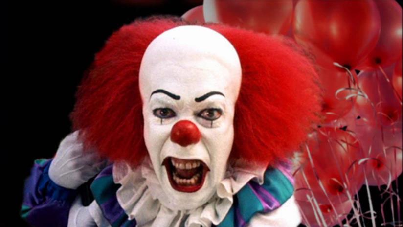 Un primo piano spaventoso del clown di IT