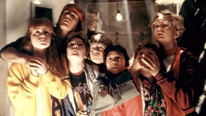 Il cast de I Goonies in una scena del film
