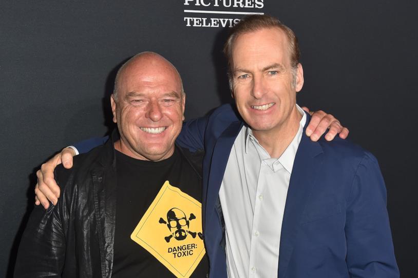 Dean Norris e Bob Odenkirk alla premiere di Better Call Saul 4