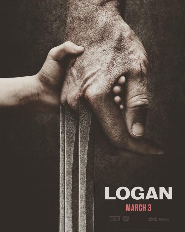 Laura stringe la mano di Wolverine nel poster di Logan
