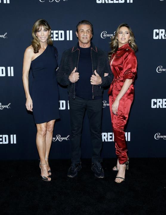 Sylvester Stallone, Jennifer Flavin e SIstine Stallone presenti alla premiere di Creed II