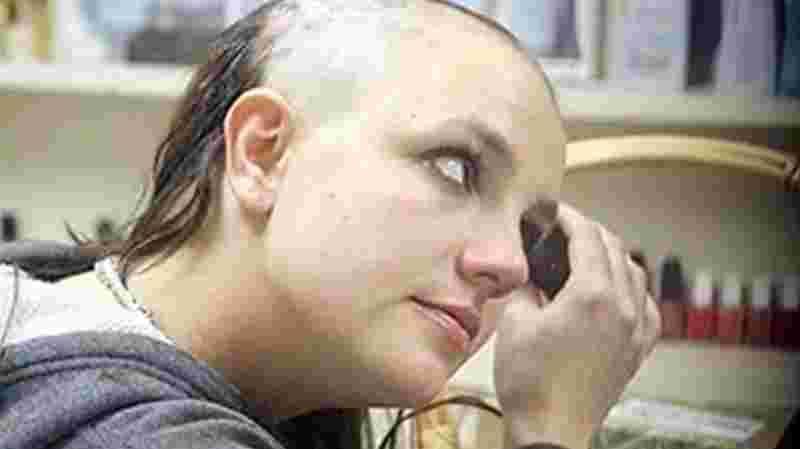 Britney Spears nel 2007, quando rasò i suoi capelli