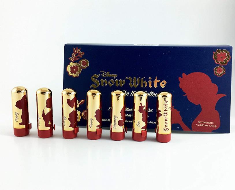 Il set da collezione di 7 mini rossetti di Biancaneve