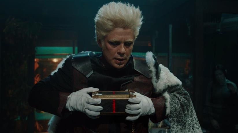Benicio del Toro in una scena di Thor: The Dark World