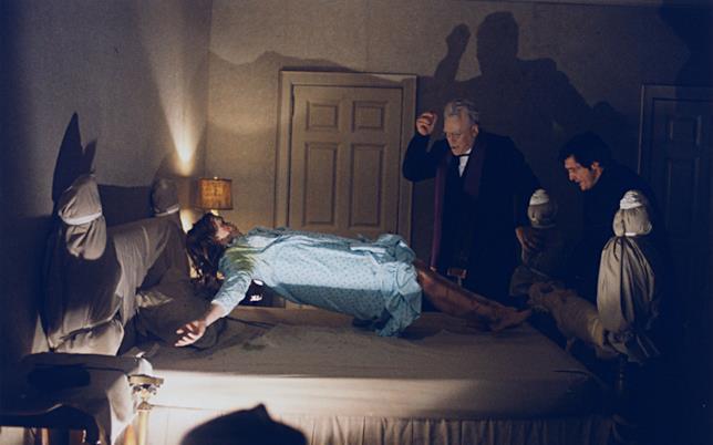 Una scena del film L'esorcista di William Friedkin