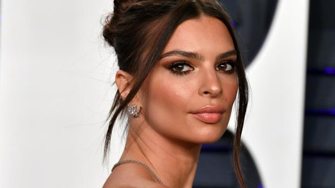 Emily Ratajkowski al party di Vanity Fair in occasione degli Oscar 2019