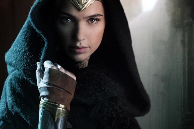 Diana Themyscira è interpretata da Gal Gadot