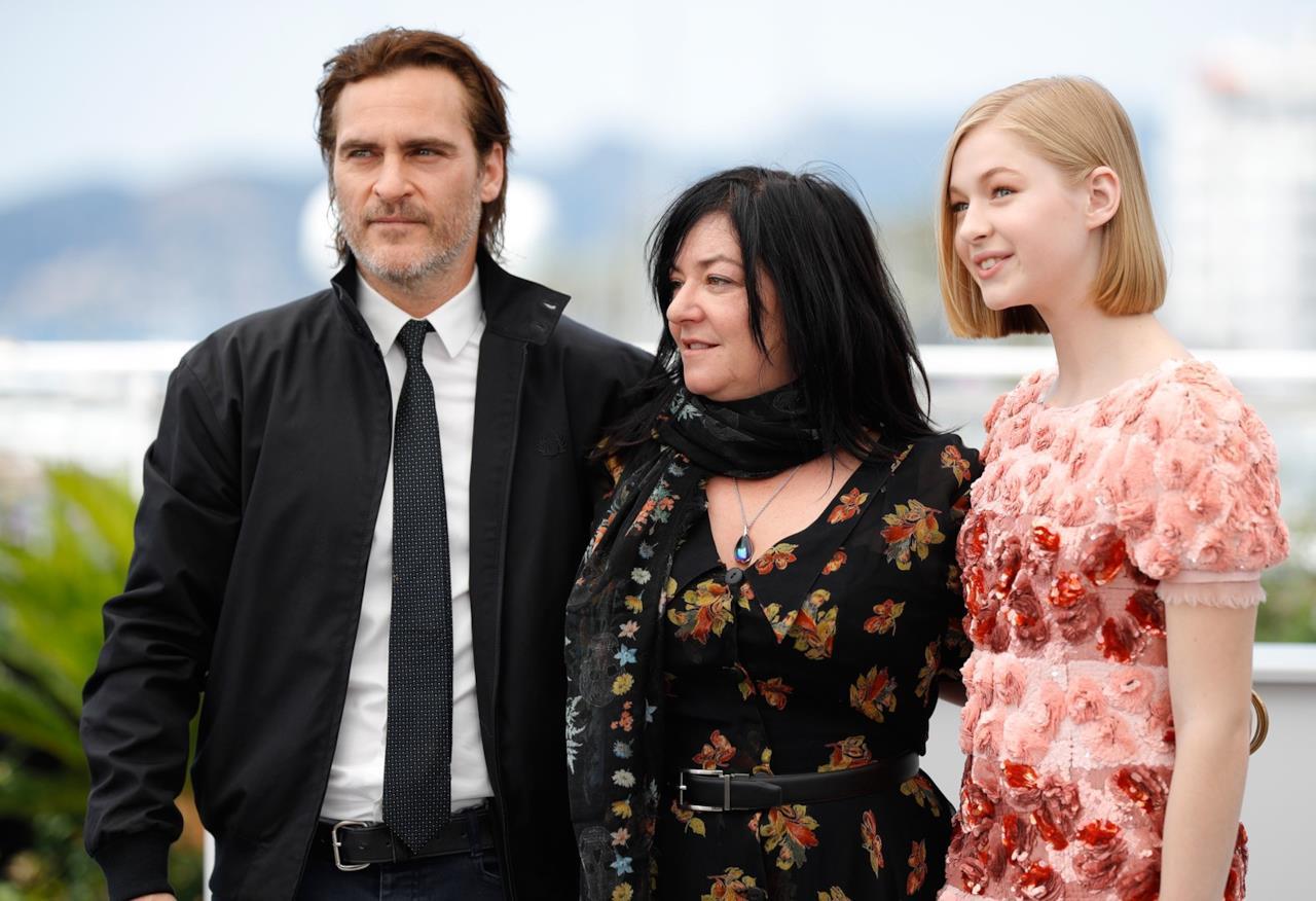 Lynn Ramsay e i suoi protagonisti  al photocall di You Were Never Really Here a Cannes 70