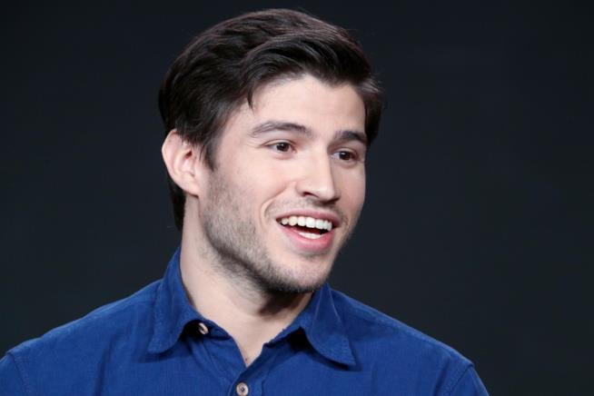 Il sorriso del giovane protagonista di Krypton Cameron Cuffe