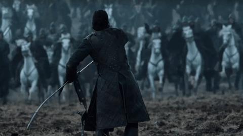 Jon Snow affronta gli Estranei in GIF