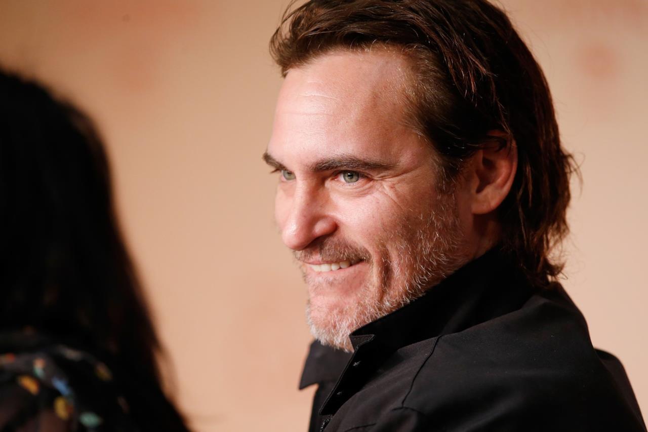 Joaquin Phoenix risponde rilassato alle domande della conferenza stampa di You Were Never Really Here