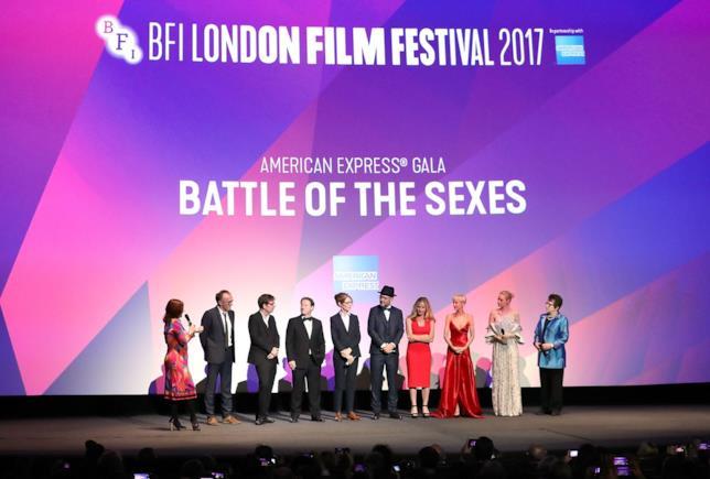 Emma Stone, Billie Jean King e il resto del cast de La battaglia dei sessi parlano sul palco