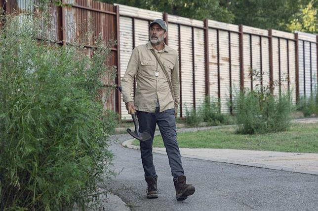 Negan nell'episodio 9x09 di The Walking Dead