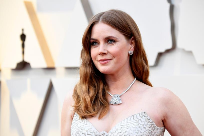 Un primo piano di Amy Adams alla Notte degli Oscar 2019