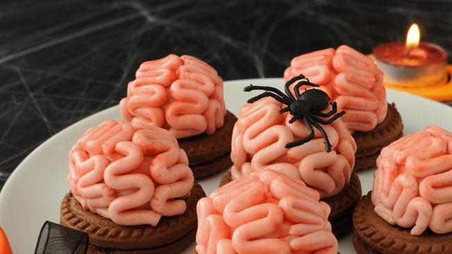 Secondi Piatti Di Carne Per Halloween.I Piu Terribili Menu Di Halloween A Base Di Occhi Dita E Vermi